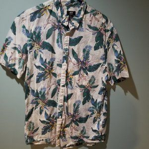 H&M Tropical Floral printed campshirt size L